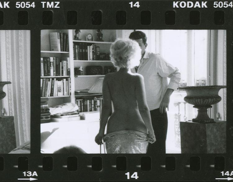 18.Alison-Jackson-Marilyn-undressing-for-JFK